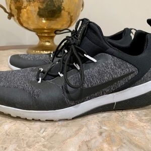 Nike Black & Gray Athletic Running Shoes | Size 11
